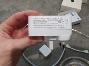 Power brick adapter for the Philips Hue Lightstrip V4