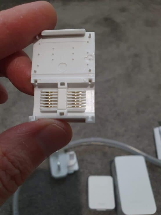 The hippo connector style reuse block with the V4 Philips Hue extension kit