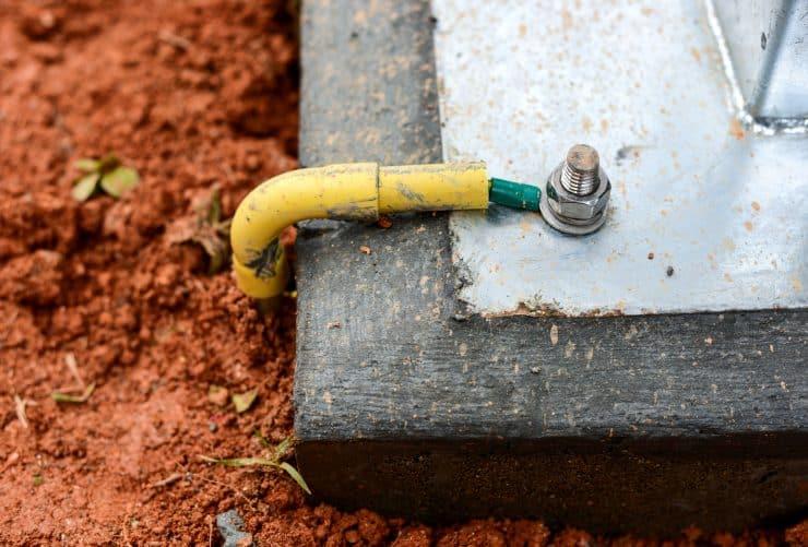 A ground wire attach to a concrete slab